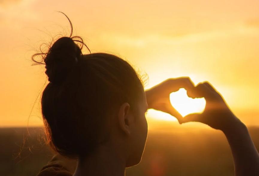 2021恋爱:一见情终多半是荷尔蒙在作祟