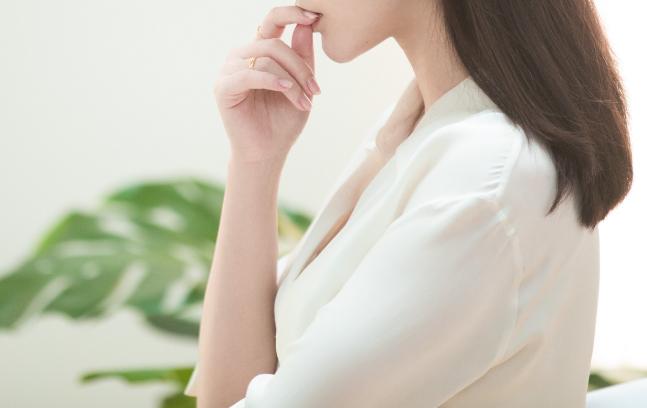 2021事业运势:职场中那些想占女同事便宜的男人赶紧醒醒吧